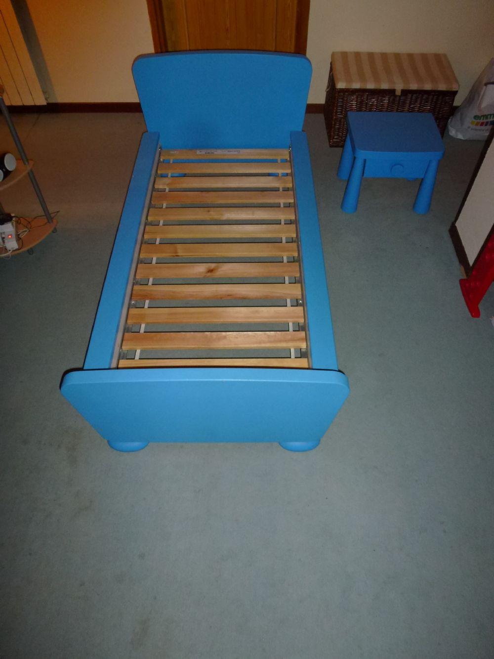 Baratto scambio letto bimbo arredamento camera a arona for Ikea cameretta mammut