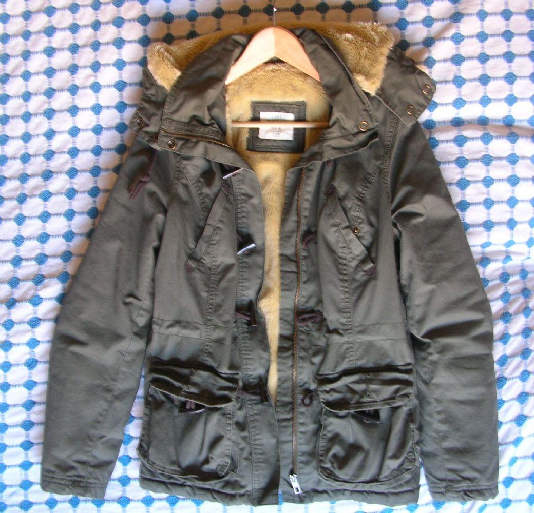 giaccone parka invernale tg42. scambiato. Categoria  Abbigliamento   Abbigliamento  donna 04ef3f915fed