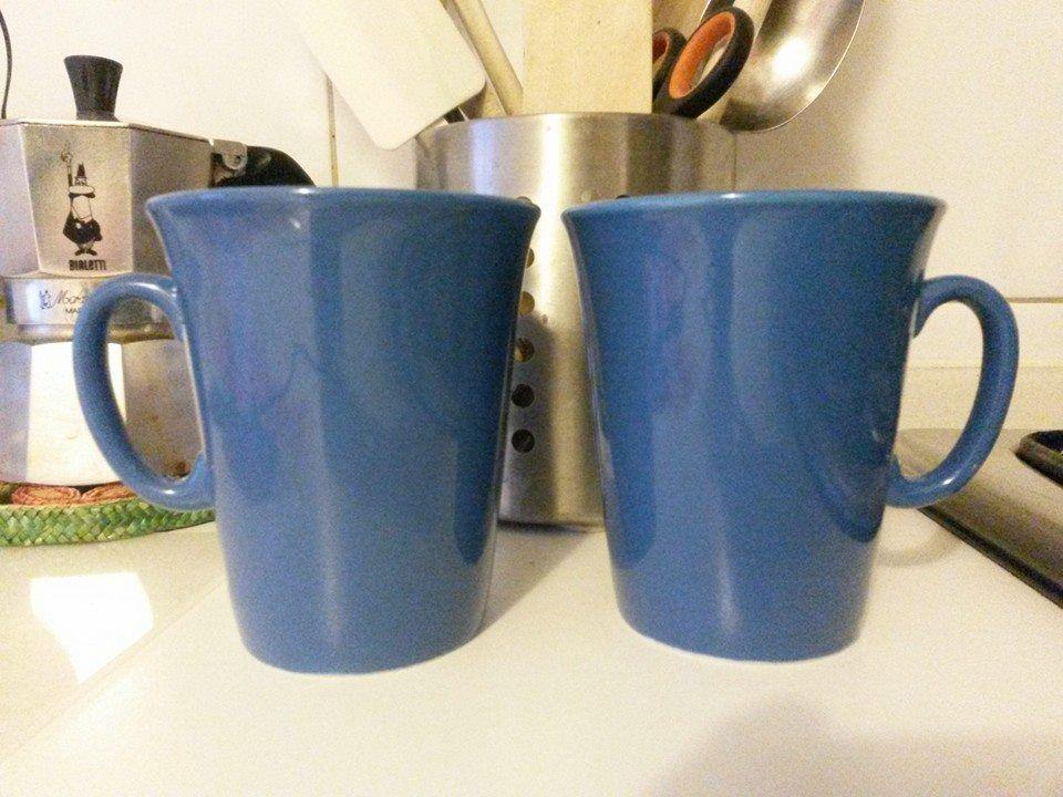 Baratto scambio coppia tazze mug blu ikea arredamento for Arredo bagno peschiera borromeo