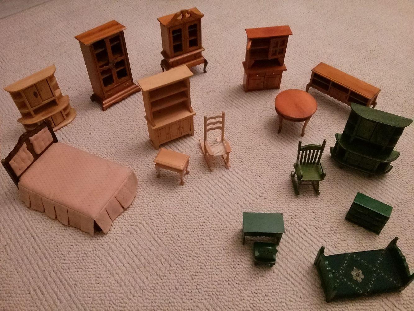 Mobili Per Casa Delle Bambole : Baratto scambio mobili per casa bambole un po di tutto a
