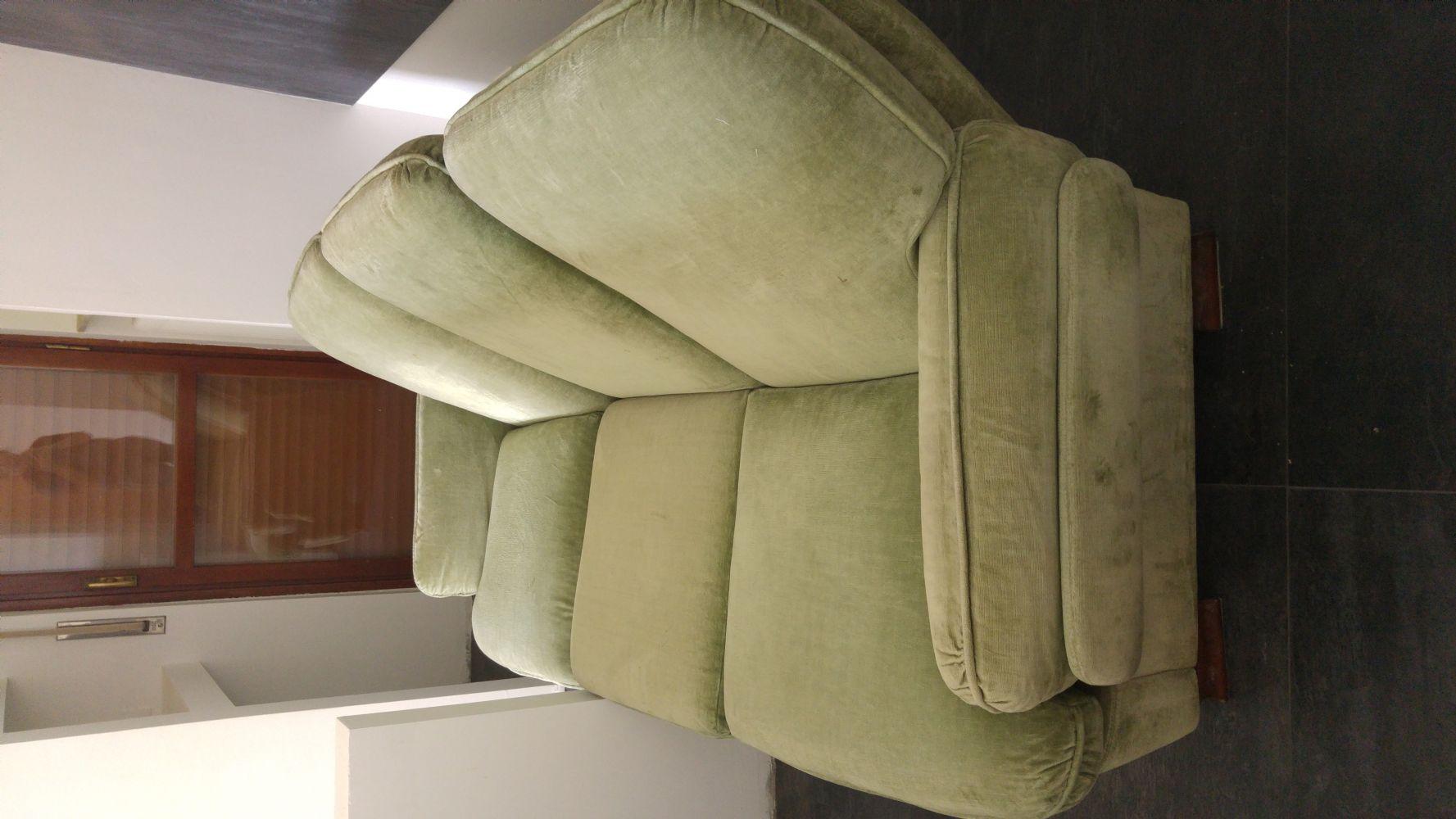 Baratto scambio divano e 2 poltrone arredamento for Divano verde salvia