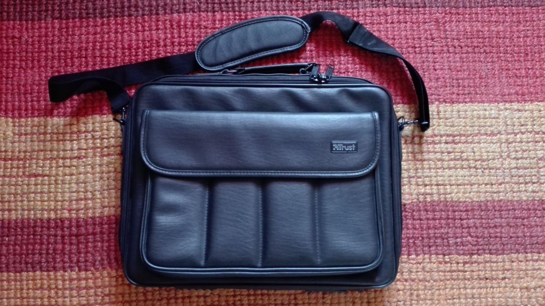 Baratto/Scambio: Borsa porta pc portatile Trust [ Elettronica ...