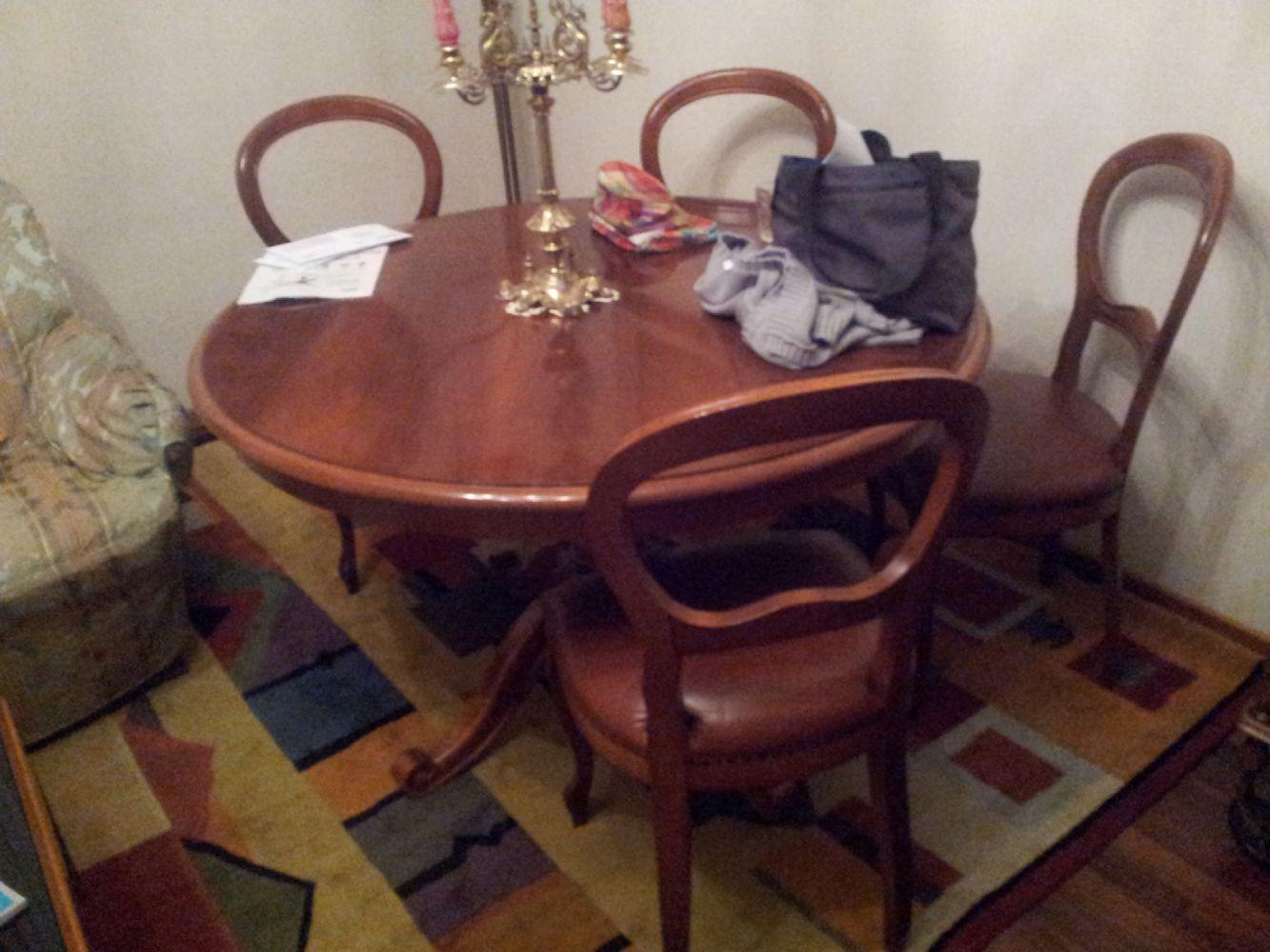 Baratto/Scambio: tavolo rotondo legno [ Arredamento/Soggiorno] a ...