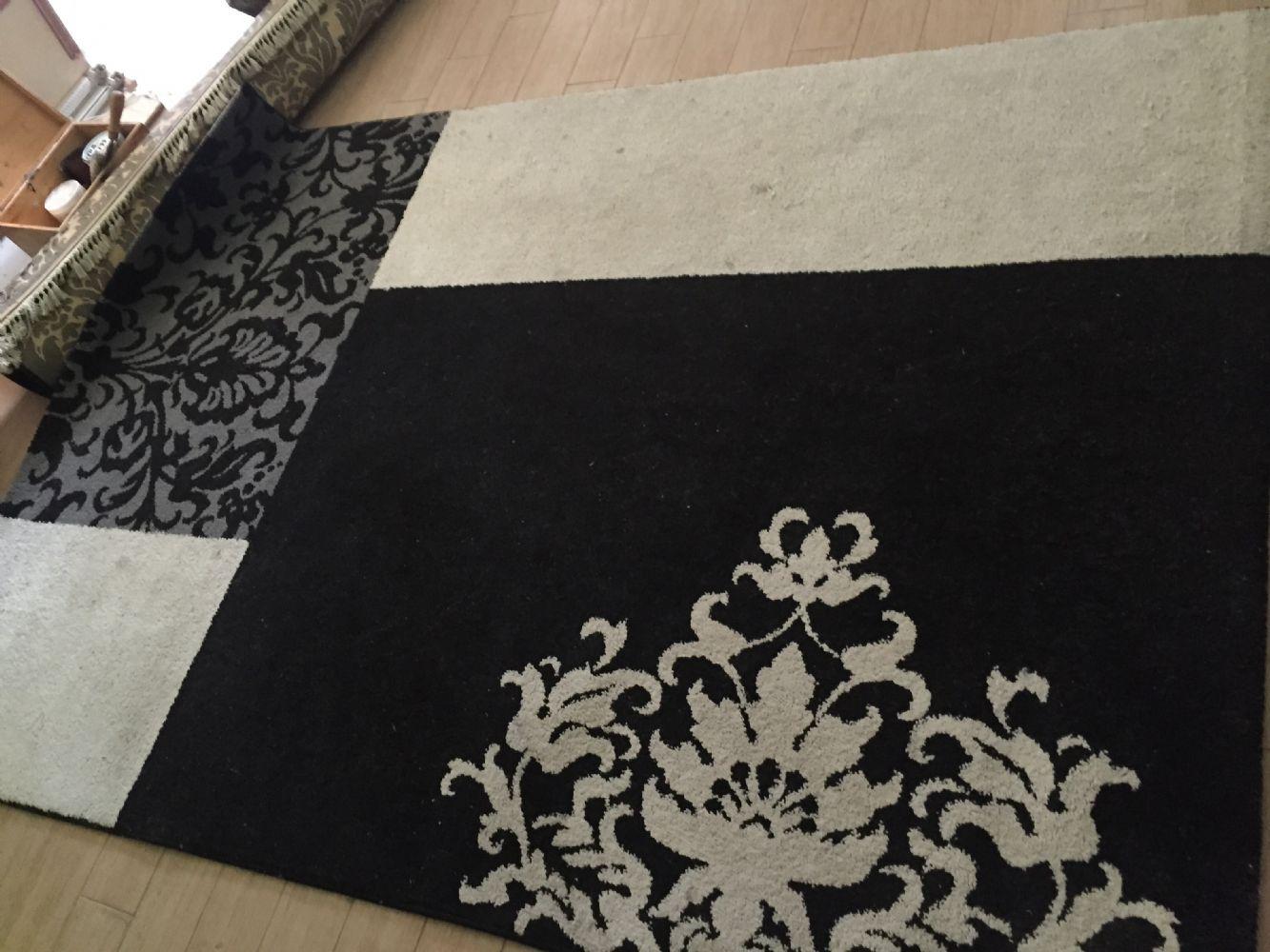 Baratto scambio tappeto bianco e nero arredamento - Tappeto bianco nero ...