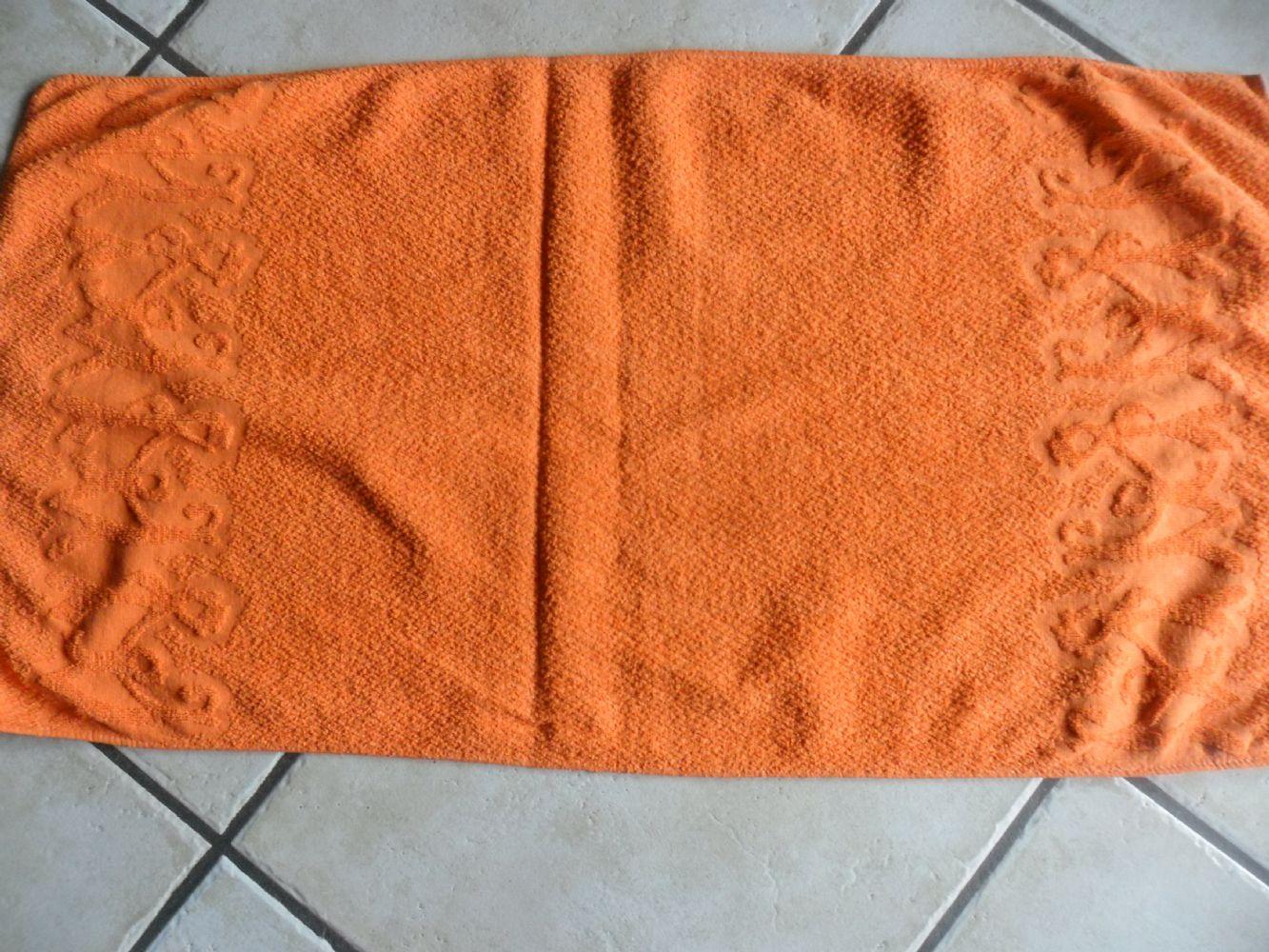 baratto/scambio: asciugamano arancione [ arredamento/bagno] a ... - Arredo Bagno Vergiate