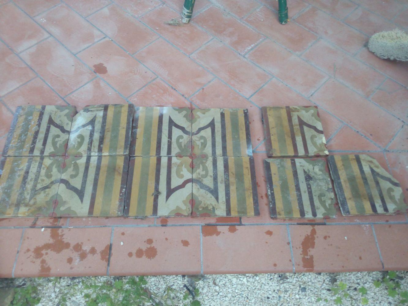 Baratto scambio mattoni piastrelle antiche collezionismo e