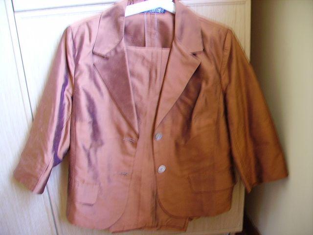 Descrizione elegante completo giacca e pantaloni pura seta taglia 46  tessuto shantung pura seta giacchina maniche a tre quarti pantalone dritto  ma morbido ... 84bd665d5174