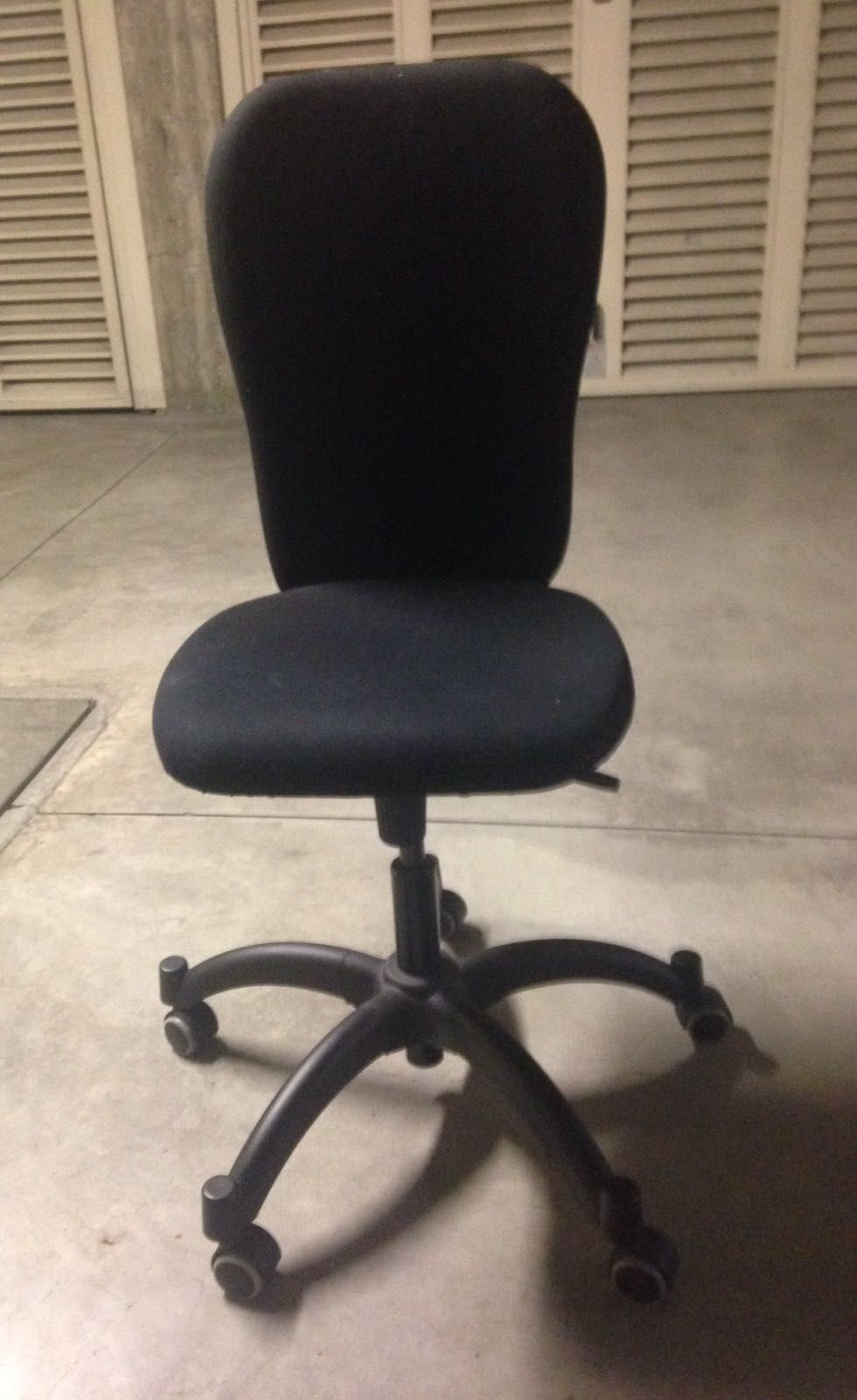 Baratto scambio sedia ufficio scuola e ufficio - Sedia rotelle ikea ...