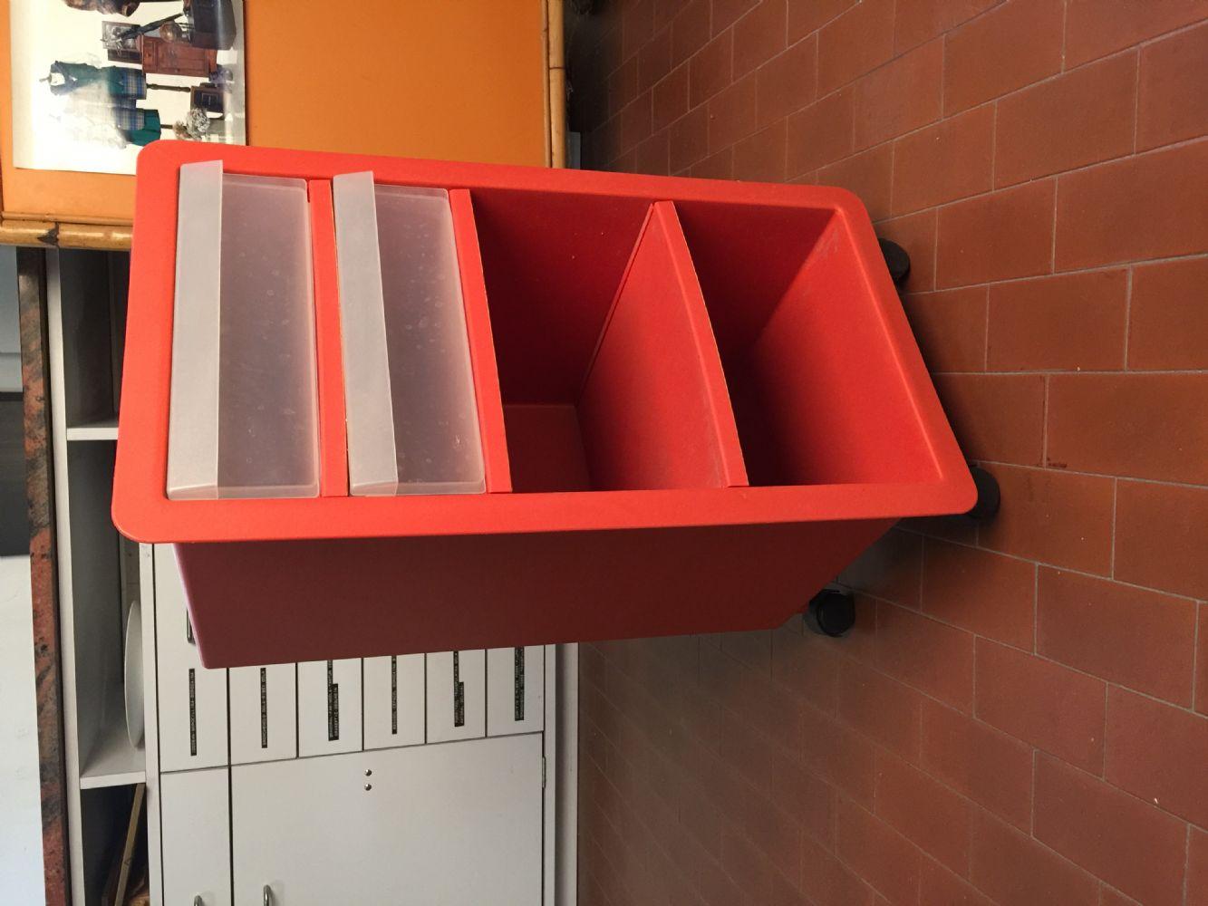 Cassettiere Ikea Con Ruote.Baratto Scambio Mobiletto Ikea Con Ruote Arredamento