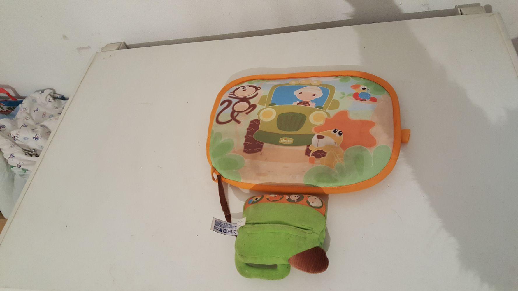 Descrizione Gioco CHICCO per intrattenere e cullare il bambino durante gli  spostamenti in auto con suoni e luci... si attacca alpoggiatesta. ba73a71e241