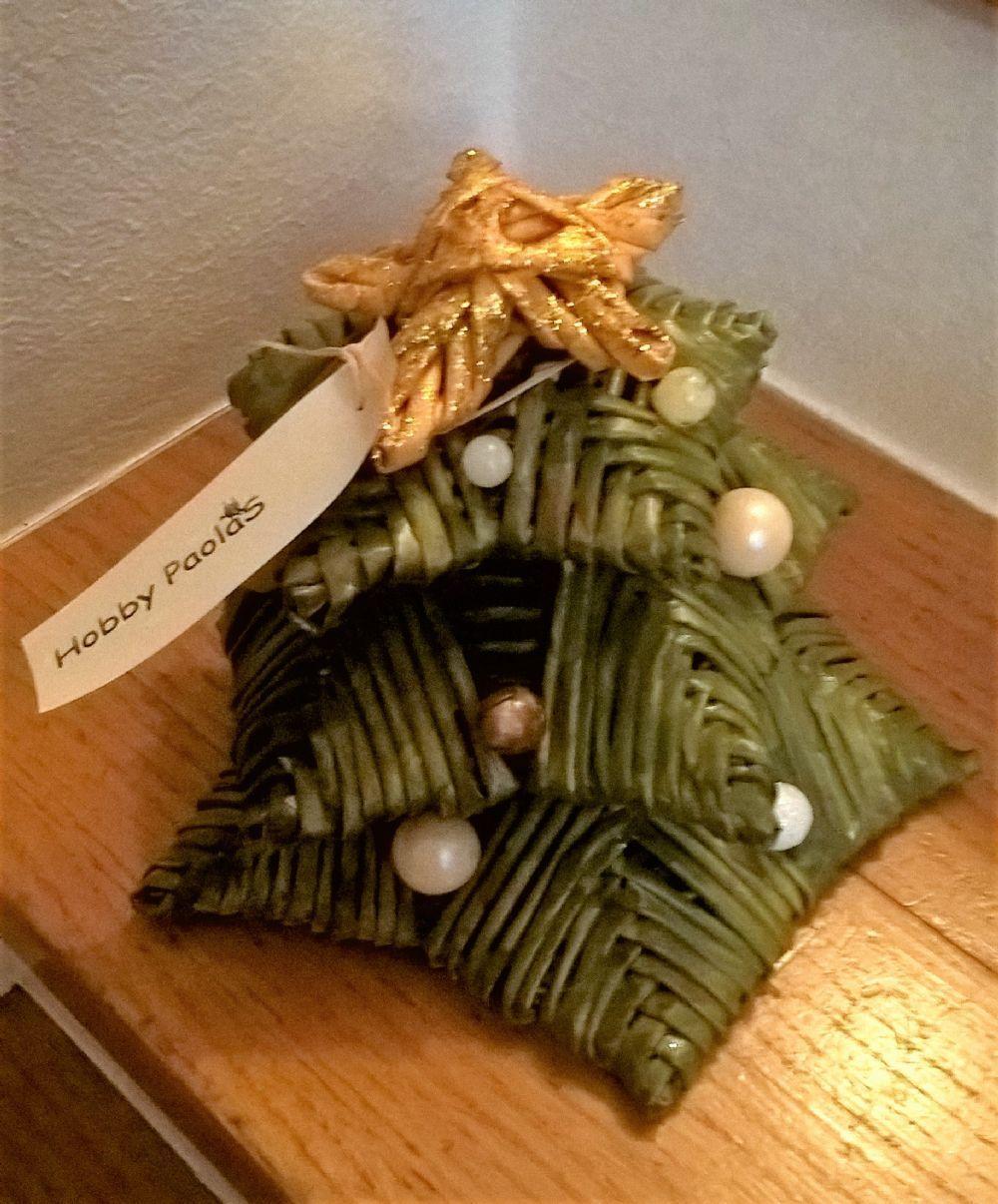Albero Di Natale Con Cannucce Di Carta.Albero Di Natale