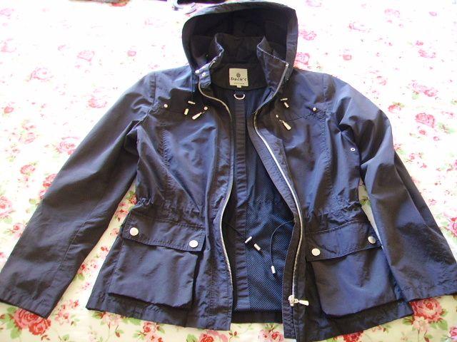 Descrizione bellissima giacca marca Dack s che scambio a malincuore ma  ormai mi sono rassegnata e non ci entrerò mai più.....blu 0aff35f9085e