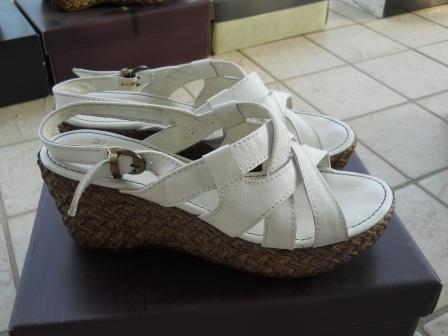 2f32b87d453b8 Baratto Scambio  Sandalo bianco Frau   Abbigliamento Scarpe donna  a ...