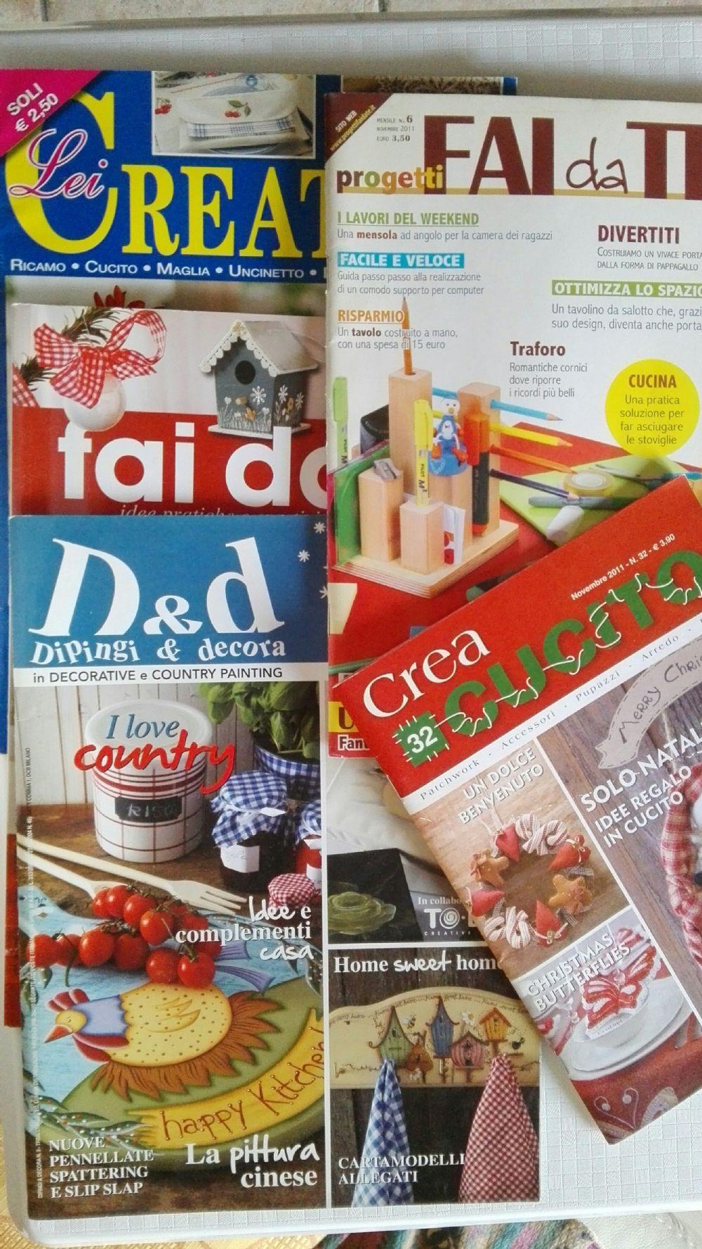 919e0b179d83 Descrizione Scambio 5 riviste creative e hobby . Complete di inserti con  cartamodelli e progetti. Solo lotto nn divido.
