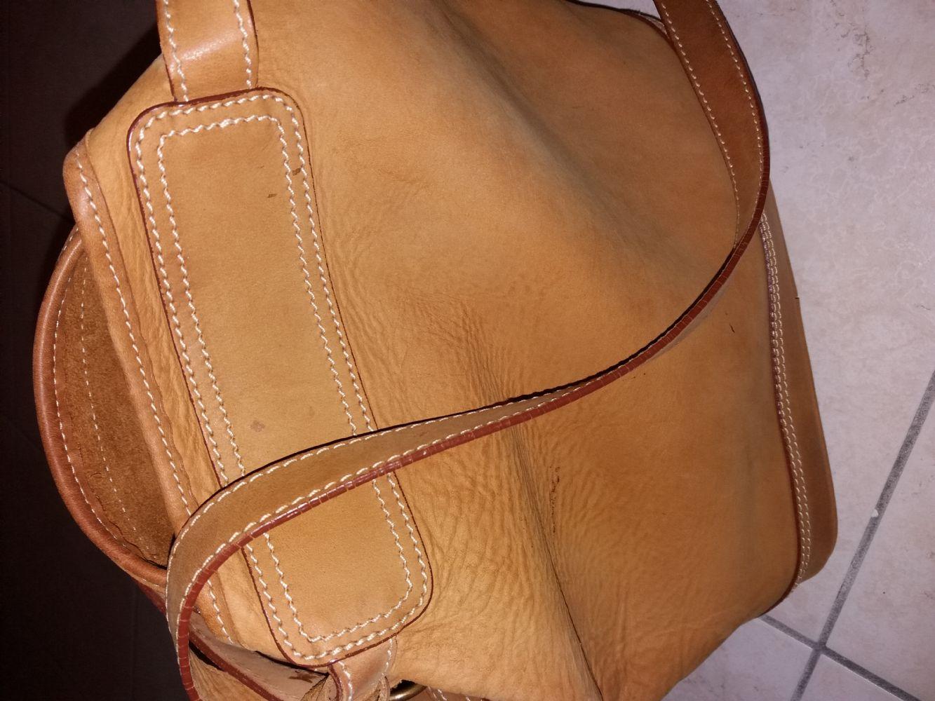 Descrizione Metto in scambio questa bellissima borsa a secchiello Timberland  indistruttibile c0ed60602cb