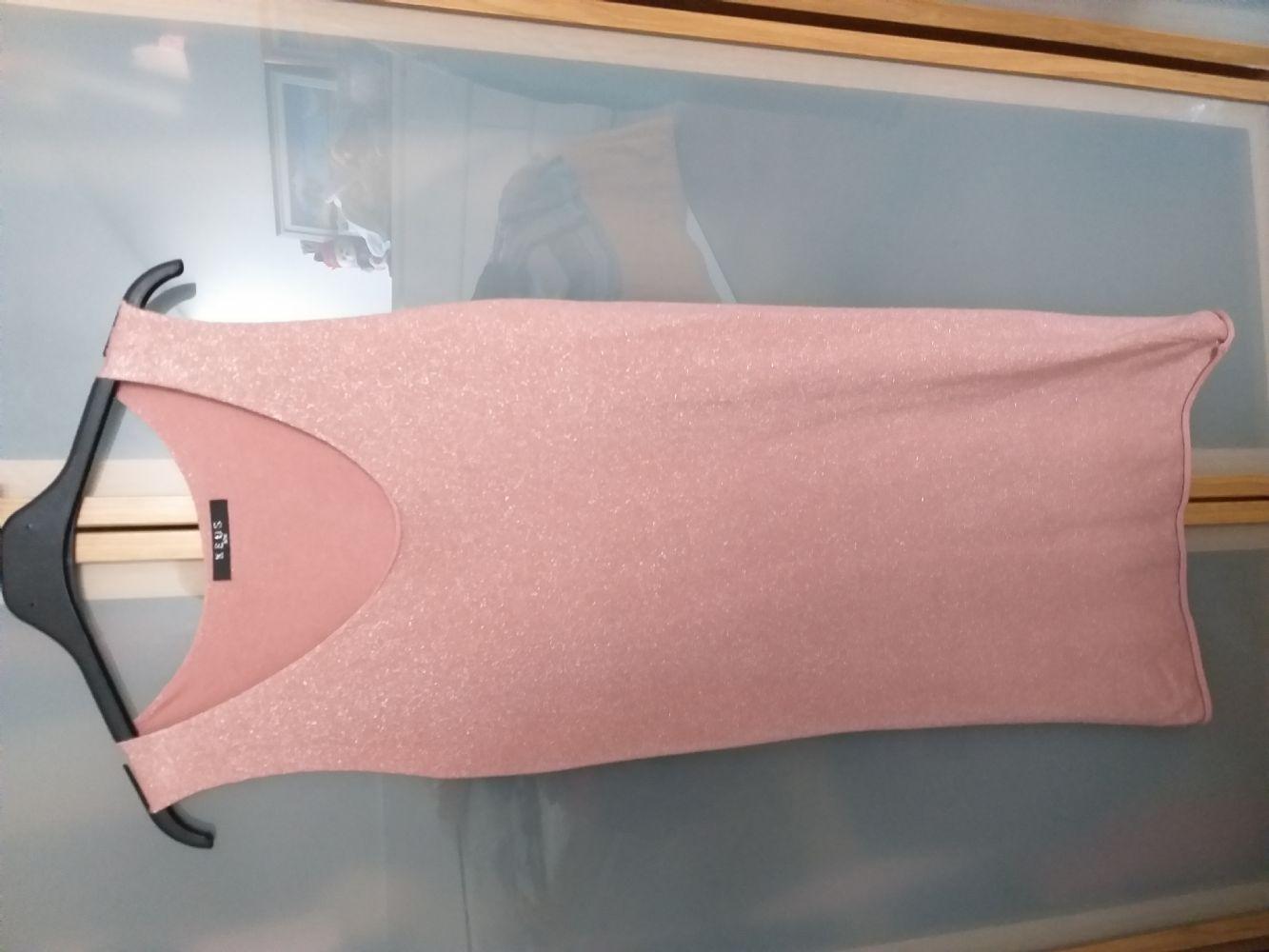 8aedd372d214 Descrizione Vestito tutto l anno usato 2 volte una volta inverno e una  volta in estate. Il tesuto elastico e si può usare sia elegante che  sportivo.