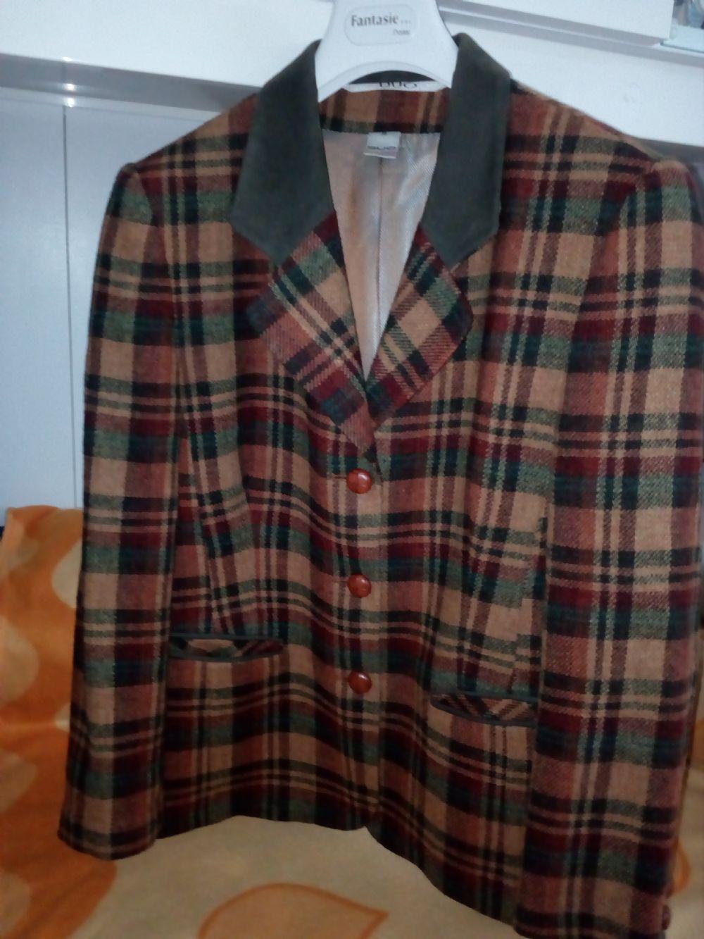 giacca tweed 100% lana. Categoria  Abbigliamento   Abbigliamento donna 6efa93f64648